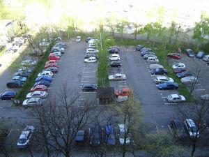 Awantura na Mokotowie: mieszkańcy bronią parkingu