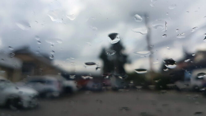 Pogodowe utrudnienia na drogach w części kraju