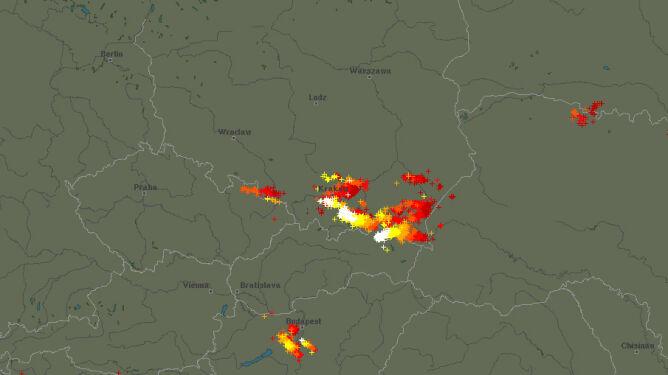 Zagrzmiało na południu Polski. <br />Burze możliwe też w nocy