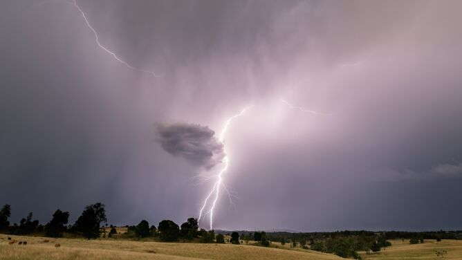 Niespokojnie w pogodzie. Prognoza zagrożeń IMGW na weekend