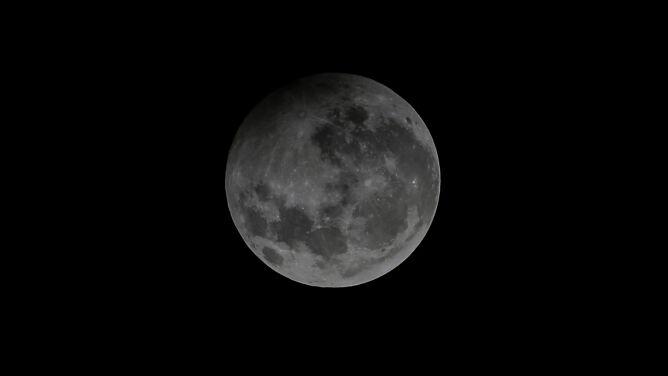 Wyjątkowy piątkowy wieczór z półcieniowym zaćmieniem Księżyca