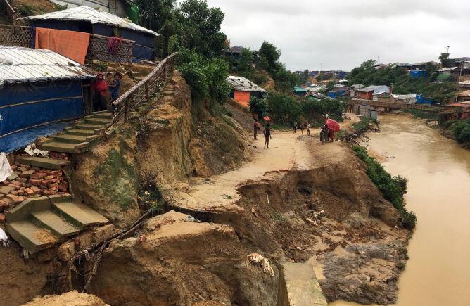 Powodzie  Bangladeszu (PAP/EPA/SALMAN SAEED)